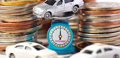 車の模型とお金